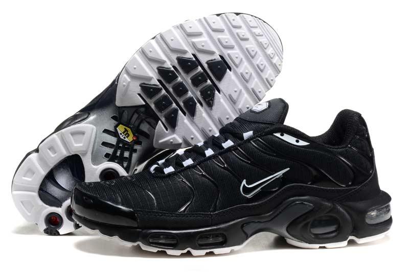 nike air max tn homme chaussures blanc noir 2027 n amtn 58028. Black Bedroom Furniture Sets. Home Design Ideas